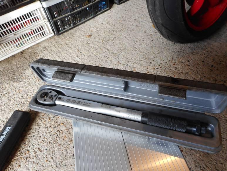 Great motorcycle workshop tools 4