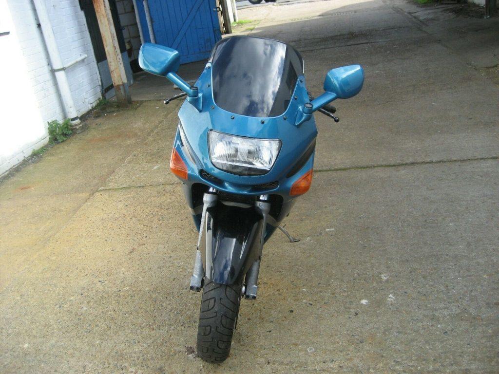 Kawasaki ZZR600 barnfind