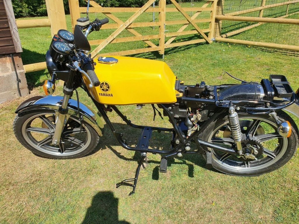 Awesome Yamaha RD250 project for sale 7
