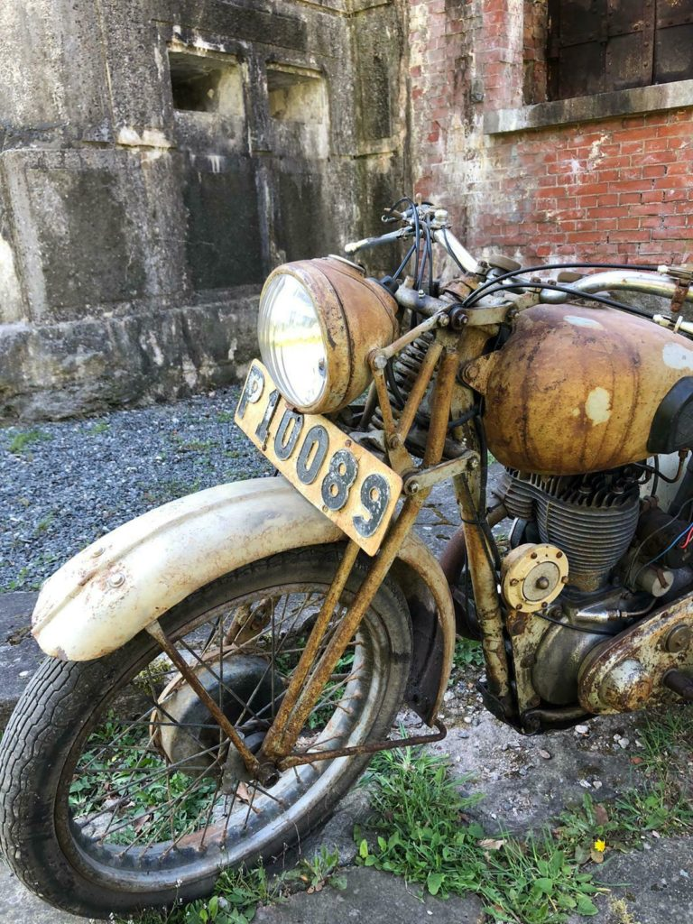 Awesome 1943 BSA WM20 barn find motorcycle 1