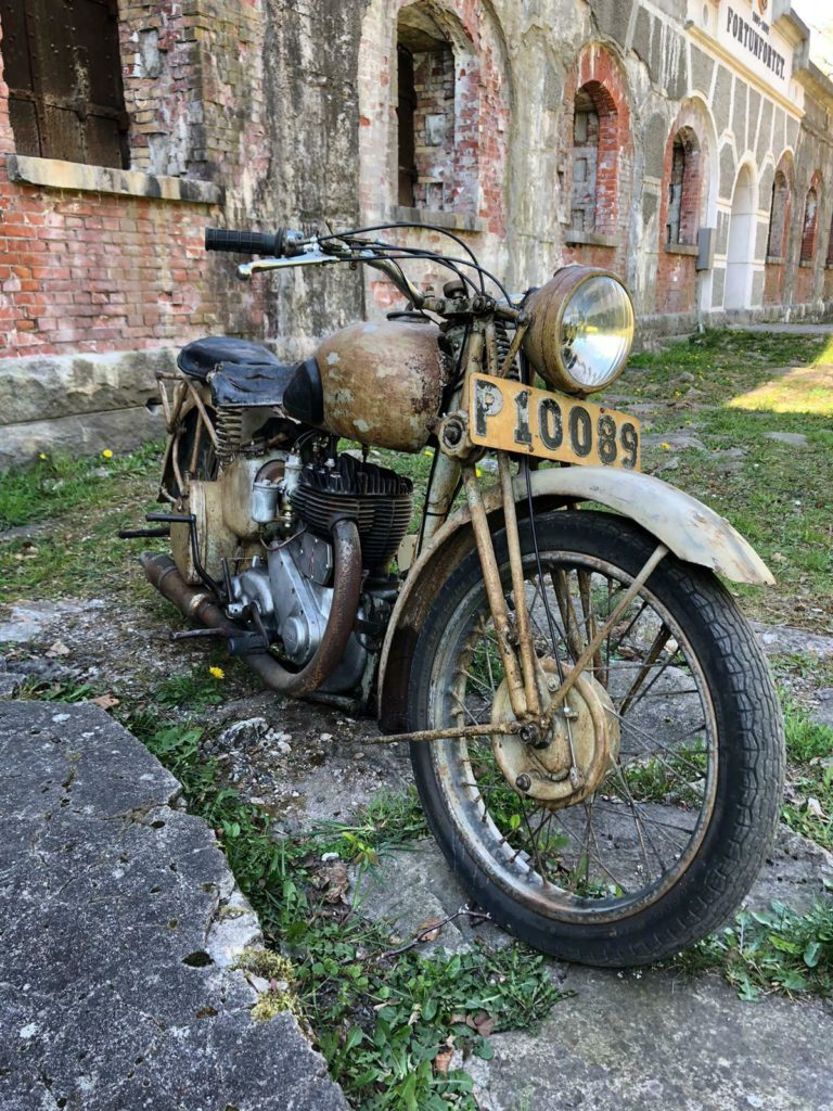 Awesome 1943 BSA WM20 barn find motorcycle 2