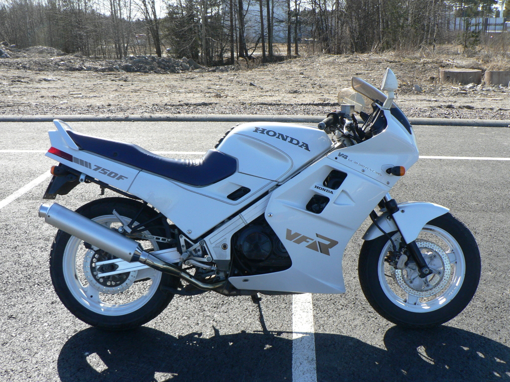 Awesome Honda VFR750 F-M for sale 1