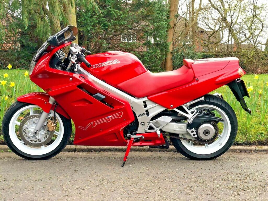 Awesome Honda VFR750 F-M for sale 4